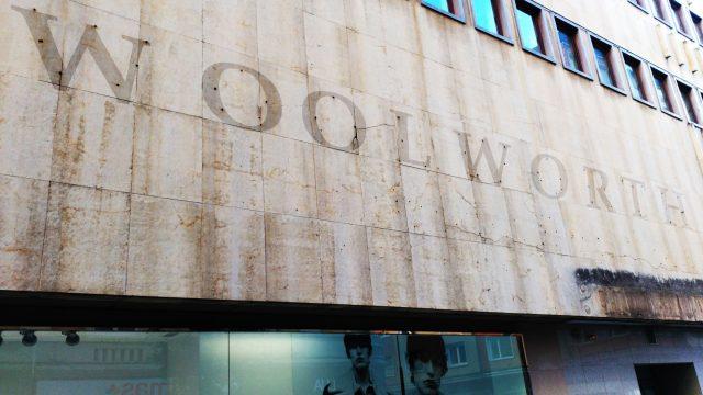 Leyendo en las paredes: Woolworth